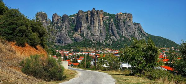 מטאורה מבט למטה צפון יוון