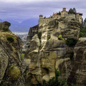 מנזרים התלויים מטאורה צפון יוון
