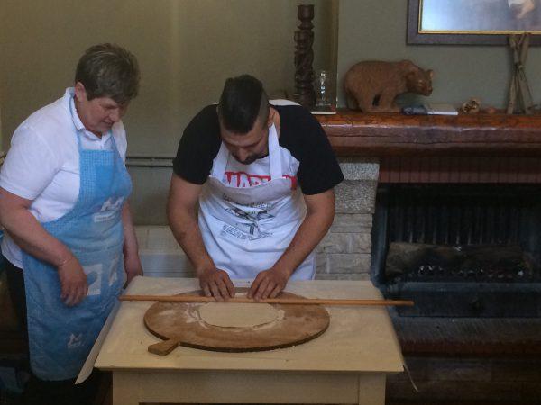 סדנא הכנה וטעימות אוכל יווני בדלפי